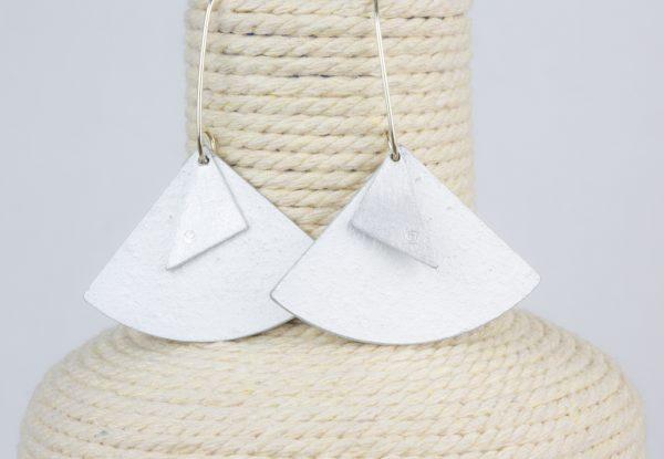 pendientes abanico blanco